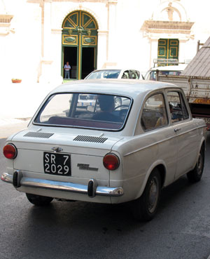 Modica, old tipical italian car. Photo: Fabrizio Raneri